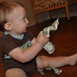 À quel âge doit-on commencer à laisser les enfants avoir de l'argent?