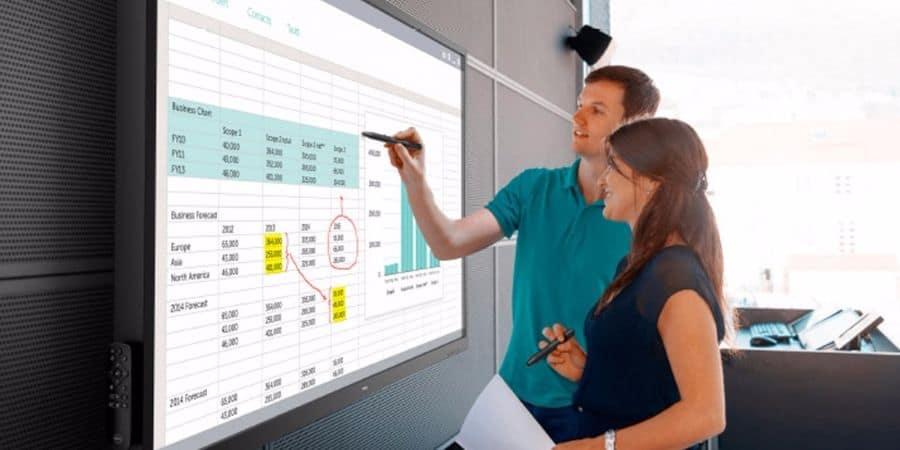 La formation à distance avec un écran interactif